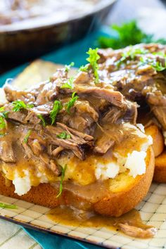 Hot Beef Sandwiches with Mashed Potatoes and Gravy are an open-faced sandwich that is pure comfort food. A favorite for meat and potatoes lovers! Deli Sandwiches, Hot Roast Beef Sandwiches, Delicious Sandwiches, Sandwich Recipes, Vegan Sandwiches, Sandwich Ideas, Beef And Potatoes, How To Cook Potatoes, Mashed Potatoes