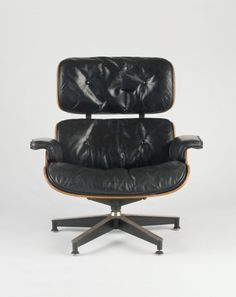 Lounge Chair 670 Charles and Ray Eames Eames Furniture, Furniture Design, Charles & Ray Eames, Take A Seat, Cool Designs, Relax, Lounge, Pure Products, Chair