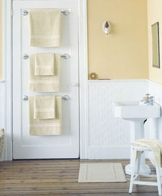 http://bathroom-designs.info/wp-content/uploads/2013/10/Bathroom-organizing.jpg Do you want to spaciuos, comfortable and functional bathroom? Start with small things. Simple tip how to organise your family towels.