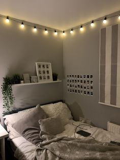 Room Design Bedroom, Room Ideas Bedroom, Home Room Design, Small Room Bedroom, Bedroom Decor, Modern Bedroom, Teen Room Decor, Cozy Room, Room Inspiration