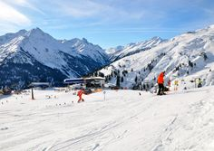 In St. Anton am Arlberg for those who prefer to delve into nature… Weekend Deals, Alps, Miraculous, Washington Dc, Mount Everest, Skiing, Summertime, Travel Destinations, Trail
