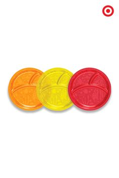Make mealtime fun with these divided plates by Munchkin. The 3-pack of plates feature fun fish designs and three sections to ensure your child's foods don't touch. Plus, they are perfectly sized for toddler meals.