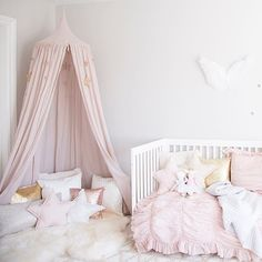 This canopy in little client Ella's room has been one of the most popular pins on @pinterest! Head to the blog to see a few of my favourite canopies for kids as well as other random Monday thoughts. #OhMonday #girlsroom