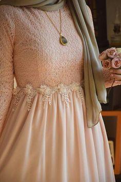 From Vintage Wardrobe 7 – Hijab Fashion Modern Hijab Fashion, Modesty Fashion, Abaya Fashion, Muslim Fashion, Fashion Wear, Fashion 2020, Fashion Dresses, Hijab Gown, Hijab Dress Party