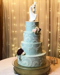 Wedding Cake Bakery, Wedding Cakes, Pastry Chef, Dessert Bars, Cakes And More, How To Make Cake, Desserts, Food, Wedding Gown Cakes