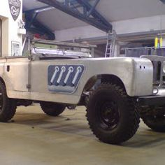 Bell Aurens Longnose: Custom Made Land Rover with 235 to… 1,500+ Hp!
