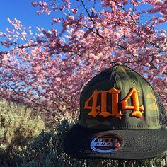 【404brand】さんのInstagramをピンしています。 《404迷彩Cap × 桜 ニュージーランドは陽気な春になってきました^o^ #404brand #fashion #cap #hoodie #ski #snowboard #ファッション #キャップ #フーディー #ポロシャツ #スキー #スノーボード #ゴルフ #桜 #spling #wanaka》