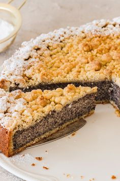 Poppy seed cake with crumble - Grandma& recipes are simply the best! Baking Recipes, Cake Recipes, Dessert Recipes, White Rice Recipes, Poppy Seed Cake, Easy Recipes For Beginners, Banana Bread Recipes, Food Cakes, Chocolate Recipes