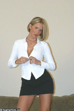 Education Sciences and Career,Advertising & Marketing,Arts & Entertainment,Auto & Motor,Beauty, Hair, Make Up and Dresses,Business Products & Services,Fashion, Shooping and Lifestyle,Financial,Foods & Culinary,Health & Fitness,Health Care & Medical,Home Products & Services,Internet Services,Jewelry,Legal,Music and Photographer,Pets & Animals,Real Estate,Relationships,Software,Sports & Athletics,Technology,Travel,Wedding,woman