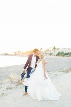 Katharina & Alejandro: Vintage-Magie in Spanien  DIE HOCHZEITSFOTOGRAFEN http://www.hochzeitswahn.de/inspirationen/katharina-alejandro-vintage-magie-in-spanien/ #wedding #mallorca #vintage