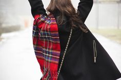 Red scarf | Free girl | Freedom | Winter weather
