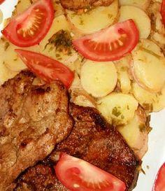 Tárcsán tarja petrezselymes újkrumplival Hungarian Recipes, Hungarian Food, Steak, Bacon, Grilling, Bbq, Recipies, Pork, Food And Drink