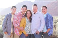 Family Picture Poses for 5 | family photography | family pose | family of 5 pose | color scheme ...