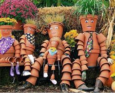 These adorable DIY Clay Flower Pot People will add the perfect whimsical touch to your Cleveland garden, and your kids/grandkids will love making them with you! Clay Pot Projects, Clay Pot Crafts, Diy Clay, Art Projects, Clay Flower Pots, Flower Pot Crafts, Clay Pots, Diy Flower, Flower Pot People