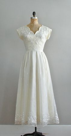 1940s gown by Aida Ines