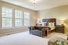 Owner´s suite in the Arlington II model.  Notice the size of the room, plenty of space is a definite.