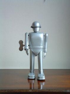 R Robot, Retro Robot, Robot Art, Vintage Robots, Vintage Toys, Cool Robots, Cool Toys, Robot Revolution, Vintage Space