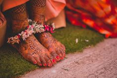We love the natural feel of this lovely anklet with fern. Bridal Outfits, Bridal Shoes, Bridal Jewelry, Indoor Wedding Decorations, Anklet Designs, Best Mehndi Designs, Bride Look, Brides And Bridesmaids, Wedding Vendors