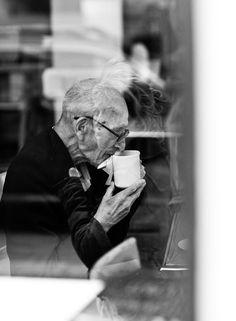 Martin Usborne. Фото общительного пожилого человека Джо, обитателя Хокстон-сквер