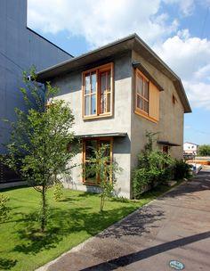 Hotei House by Hitoshi Sugishita Architect and Associates Facade Design, Exterior Design, Architecture Design, Home Room Design, House Design, Japan Modern House, Future House, My House, Japanese House