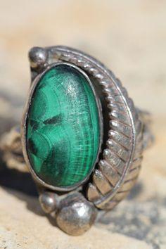 Vintage Southwestern Tribal Bisbee Bob Sterling Silver Malachite Ring | eBay