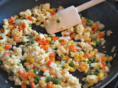 Weeknight Chicken Fried Rice :: YummyMummyClub.ca Asian Recipes, Real Food Recipes, Cooking Recipes, Asian Foods, Rice Recipes, Ethnic Recipes, Rice Dishes, Food Dishes, Main Dishes