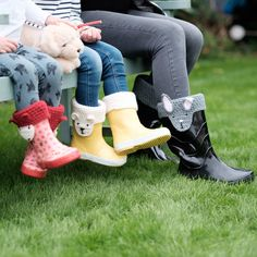 Update your wellies this winter by adding a pair of cute animal character boot toppers. Available in children's and adult's sizes.Designs available are- Fox (red), Wolf (grey), Rabbit (grey), Polar Bear (cream) and Brown Bear (beige) If you would like your item wrapped we include that free of charge, please request that when ordering.Each pair is crocheted by hand creating a unique little cuff to keep the warmth inside your wellies when you are out and about. Made in three sizes so that…
