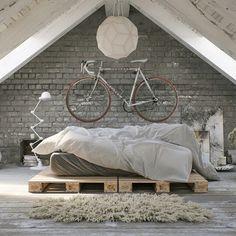 Fahrrad an der Wand