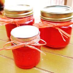 Raspberry Jalapeno Jelly, Jalapeno Jelly Recipes, Pepper Jelly Recipes, Jalapeno Jam, Hot Pepper Jelly, Sugar Free Pepper Jelly Recipe, Honey Recipes, Jam Recipes, Canning Recipes