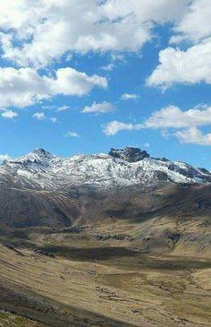 Apu ccarhuarazo — en Chipao, Ayacucho, Peru.