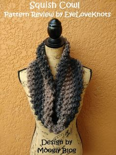 bb5ac1d2fb4c86 EyeLoveKnots  Squish Cowl - Crochet Pattern Review - Moogly Blog Scarfie  Yarn