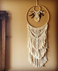 tpys diy and The Most Beautiful Pictures at Pinteres It is one of the best qua… – homedecor – weberei Macrame Wall Hanging Patterns, Macrame Art, Macrame Design, Macrame Projects, Macrame Patterns, Hanging Tapestry, Macrame Headband, Art Macramé, Deco Boheme