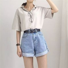 Was trägt man zu Vintage-Jeans mit hoher Taille und mehr als 50 besten Outfits?… What do you wear with vintage jeans with high waist and more than 50 best outfits? Vintage Jeans, Vintage Outfits, Jean Vintage, Fashion Vintage, Vintage Woman, Vintage Shorts, Dress Vintage, Outfits Casual, Mode Outfits
