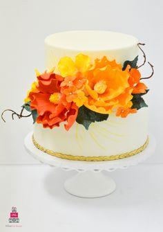 {Glorious} Engagement Cake
