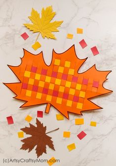 These Paper Weaving Fall Printables are perfect to strengthen and keep those little fingers busy this season! Also helps to improve concentration and hand-eye coordination in little kids. Fall Paper Crafts, Easy Fall Crafts, Fall Crafts For Kids, Thanksgiving Crafts, Toddler Crafts, Preschool Crafts, Art For Kids, Arts And Crafts, Summer Crafts