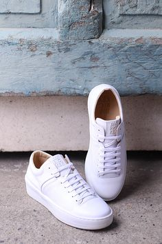 Adidas Stan Smith, Adidas Sneakers, Spring, Pants, Shoes, Fashion, Trouser Pants, Moda, Zapatos