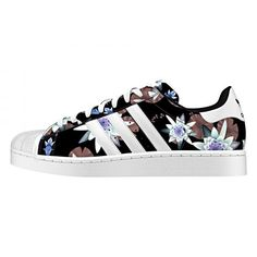 Adidas Superstar imprimé fleur - ClicknDress https://clickndress.com/news/2015/3/12/stan-smith-vs-superstar