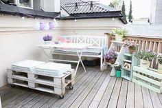 Nuestra amiga MariHernandez ha compartido con nosotros algunas imágenes con ideas para decorar nuestras terrazas con palets. Aquí podéis verlas.