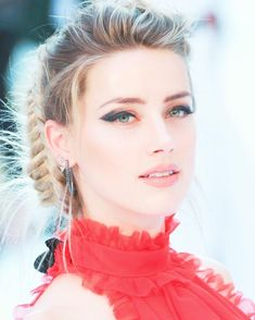 -  Amber Heard إييه الحلاوة دي!! . . #amberheard #fashion #beauty #style #summerstyle #style        Trend Trendy Top Summer Clothes Makeup Outfits Shirts Shoes Pants