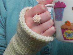 Simple Beginners Tunisian Crochet Fingerless Gloves by Amy Barrett free pattern