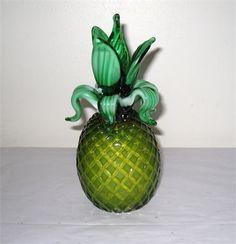 Arte Murano ICET Glass Pineapple / Venezuela / Slag Glass Leaves / Art Glass   http://www.speeditrade.com/Listing/Details/3003061/Arte-Murano-ICET-Glass-Pineapple-Venezuela-Slag-Glass-Leaves-Art-Glass