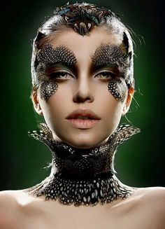 Make-up with feathers. Make Up Looks, Makeup Inspo, Makeup Inspiration, Makeup Ideas, Bird Makeup, Unicorn Makeup, Art Visage, Fantasy Make Up, Make Up Braut