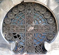 https://flic.kr/p/7iuSVi   Barcelona - Cementiri de Montjuïc 004 c   Panteón Anselm Coma  1904  Architect: Leandre Albareda Petit