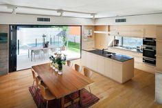 #Decoración #Interiorismo #diseñodeinteriores Parry Street;una casa de lineas sencillas y sostenible. Más en: http://greenandfreshdecor.blogspot.com.es/2014/06/parry-street-diseno-ambientalmente.html