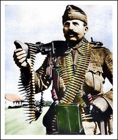 Hungarian Machinegunner, Honved Geppuskas -- color