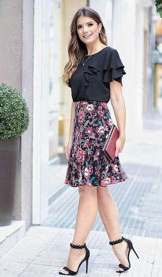 Discover recipes, home ideas, style inspiration and other ideas to try. Girly Outfits, Office Outfits, Skirt Outfits, Classy Outfits, Casual Outfits, Cute Outfits, Work Fashion, Modest Fashion, Fashion Dresses