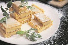 RESEP: Outydse vlaskywe   Netwerk24 Cream Crackers, Feta, Muffins, Baking, Muffin, Bakken, Backen, Sweets, Cupcakes