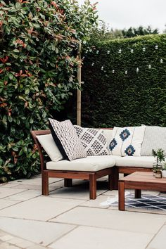 Geometric Cushions On Ikea Applaro Seating - A Paved Patio With Global Inspired Accents. Image By Adam Crohill Patio Ikea, Ikea Outdoor, Outdoor Sofa, Outdoor Decor, Ikea Garden Furniture, Diy Outdoor Furniture, Patio Lounge Furniture, Ikea Exterior, Ikea Lounge