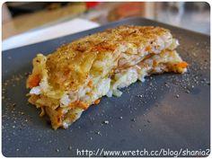 辣媽Shania: 紅蘿蔔馬鈴薯煎餅馬玲薯 匏絲   約170g  紅蘿蔔 匏絲   約20g (紅蘿蔔不能太多, 不然會沒辦法成形) 鹽巴               適量 黑胡椒           適量