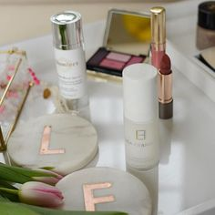 We've got some lovely Mother's Day gifting ideas over on the Lisa Loves blog this week - link in bio above 👆🏼#lisafranklinskincare #mothersday #giftideas